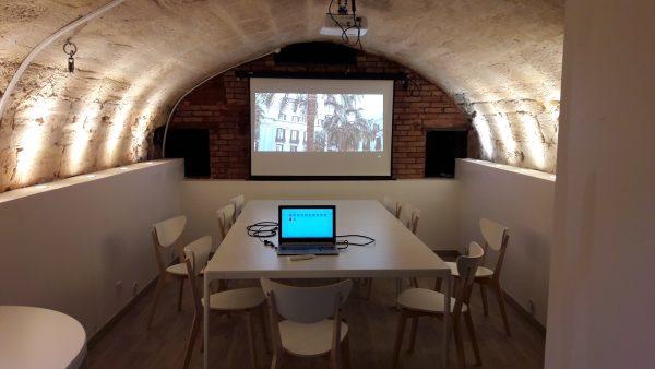 Salle de réunion dans cave Bordelaise.